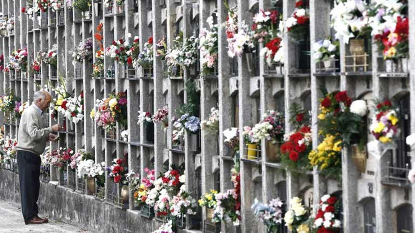 Canal Europa - Cementerios colapsados en Europa - 20/04/21 - Escuchar ahora