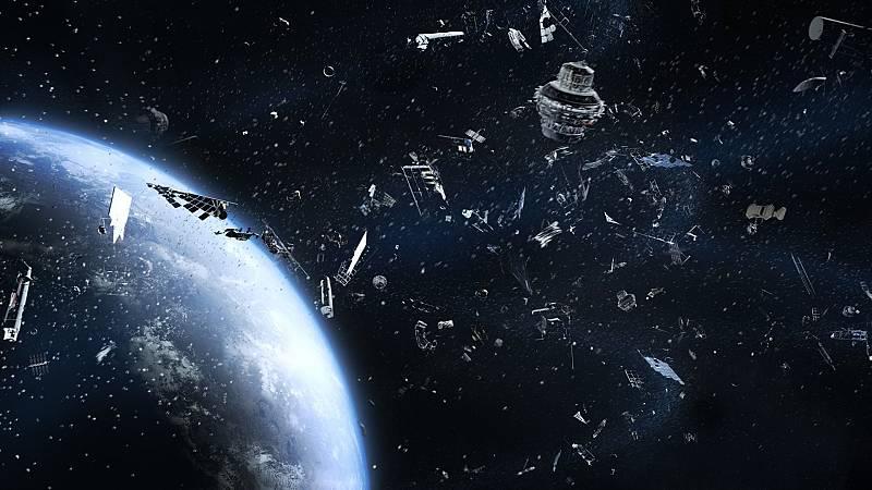 Más cerca - La basura espacial: problemas y soluciones para reducirla - Escuchar ahora