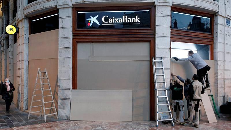 """14 horas - Los sindicatos cargan contra el ERE en Caixabank: """"La plantilla se siente ultrajada, nos preguntan si se han vuelto locos"""" - Escuchar ahora"""