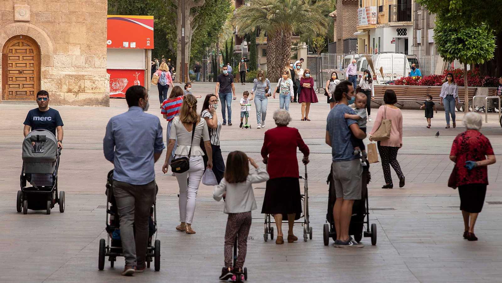 """14 horas - Josep Oliver: """"La administración debería replantearse las políticas de apoyo a las familias"""" - Escuchar ahora"""