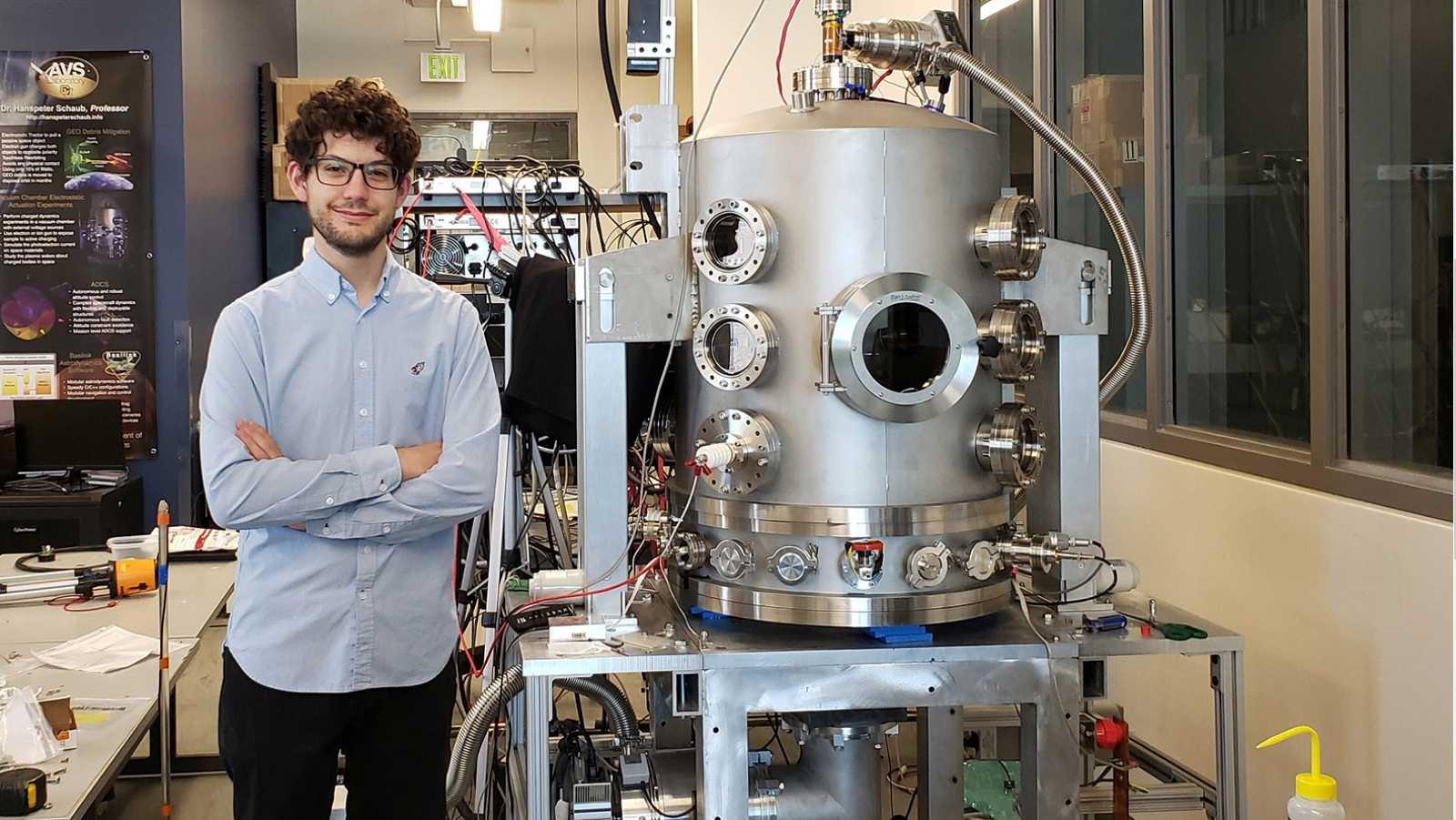 A golpe de bit - El invento de un ingeniero español viajará en el cohete New Shepard - 21/04/21 - escuchar ahora
