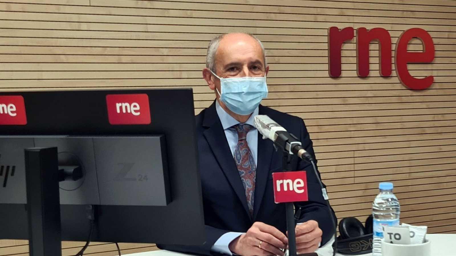 """Las mañanas de RNE con Íñigo Alfonso - Josu Erkoreka: """"Parece que Sánchez está esperando una solicitud unánime para prolongar el estado de alarma y no tener problemas en el Congreso"""" - Escuchar ahora"""