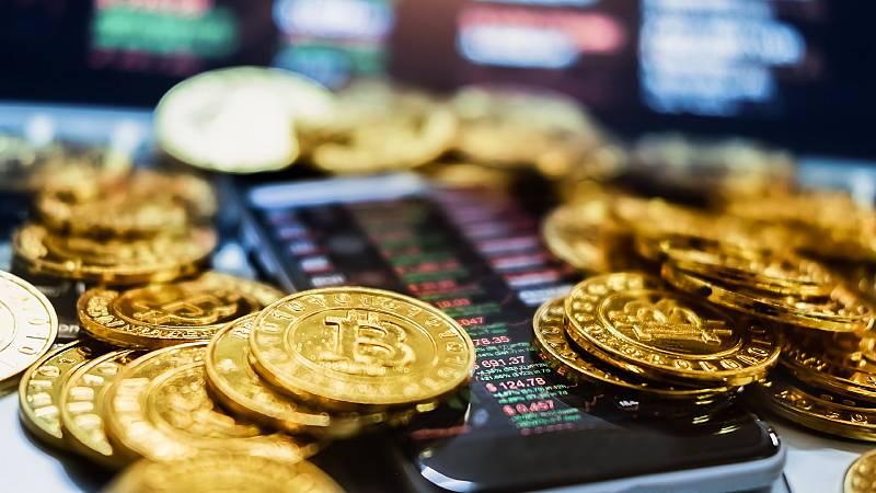 Gente despierta - La hoja salmón - ¿Pensando en comprar bitcoins? Todas las claves, aquí - Escuchar ahora