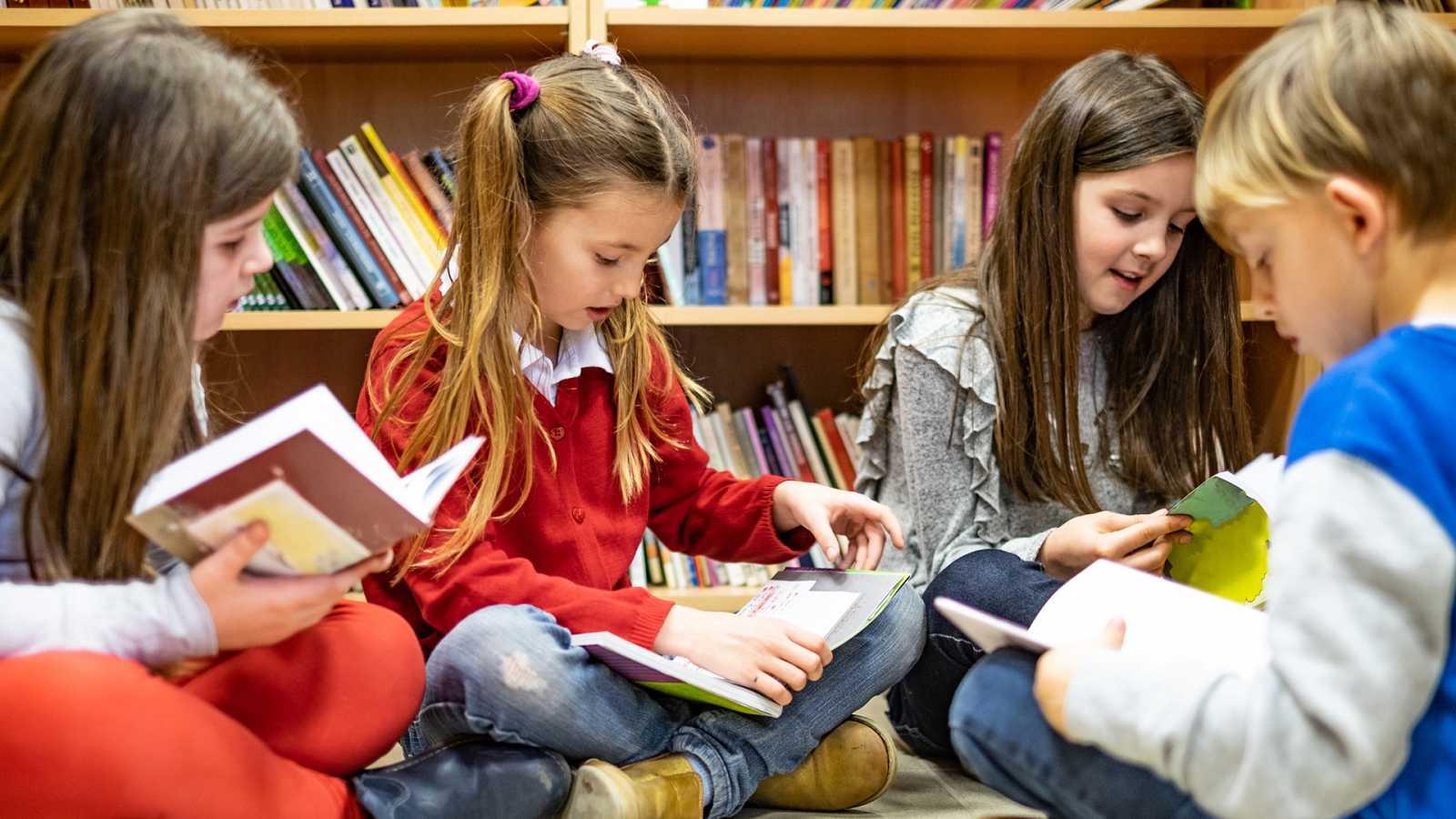 Artesfera - ¿Qué leen los jóvenes? Celebramos el Día del Libro en el colegio - 23/04/21 - escuchar ahora