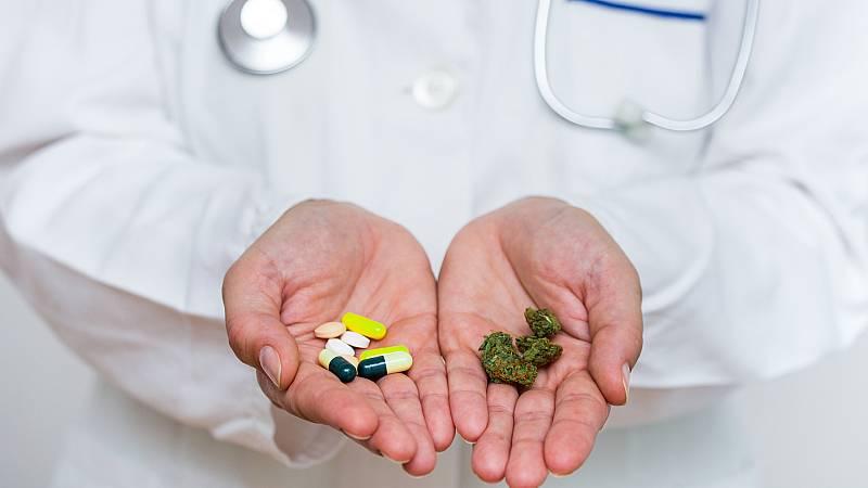 Por tres razones - Juan Manuel pide autocultivar cannabis medicinal - Escuchar ahora