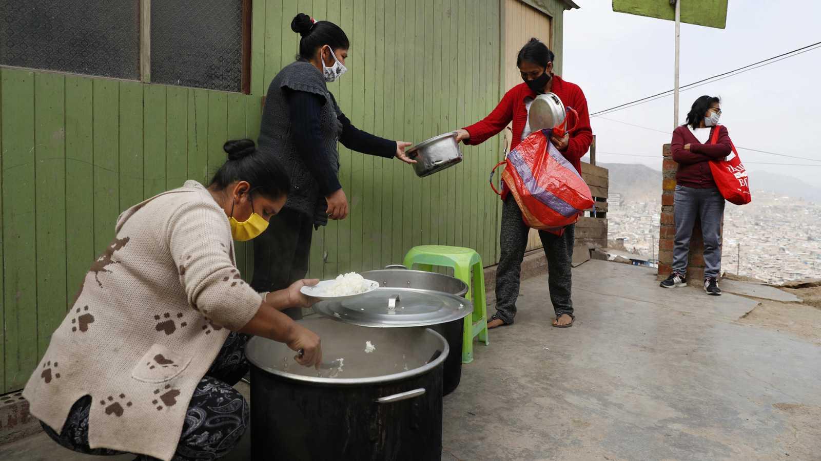 Hora América - Vuelven las ollas comunes a Perú por la pandemia - 26/04/21 - escuchar ahora