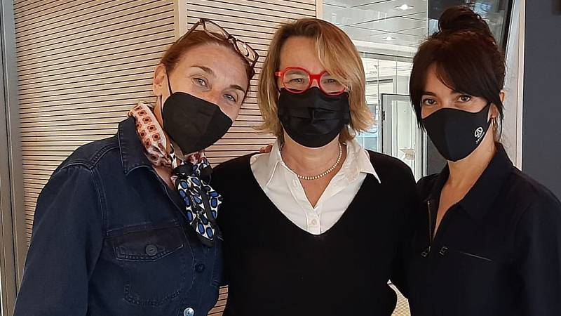 La sala - 'Las dos en punto': Natalia Menéndez, Carmen Barrantes y Mona Martínez - 27/04/21 - Escuchar ahora