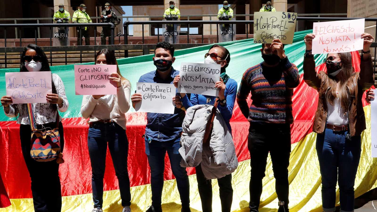 Hora América - Colombia quiere reanudar las fumigaciones con glifosato contra los cultivos de coca - 27/04/21 - escuchar ahora