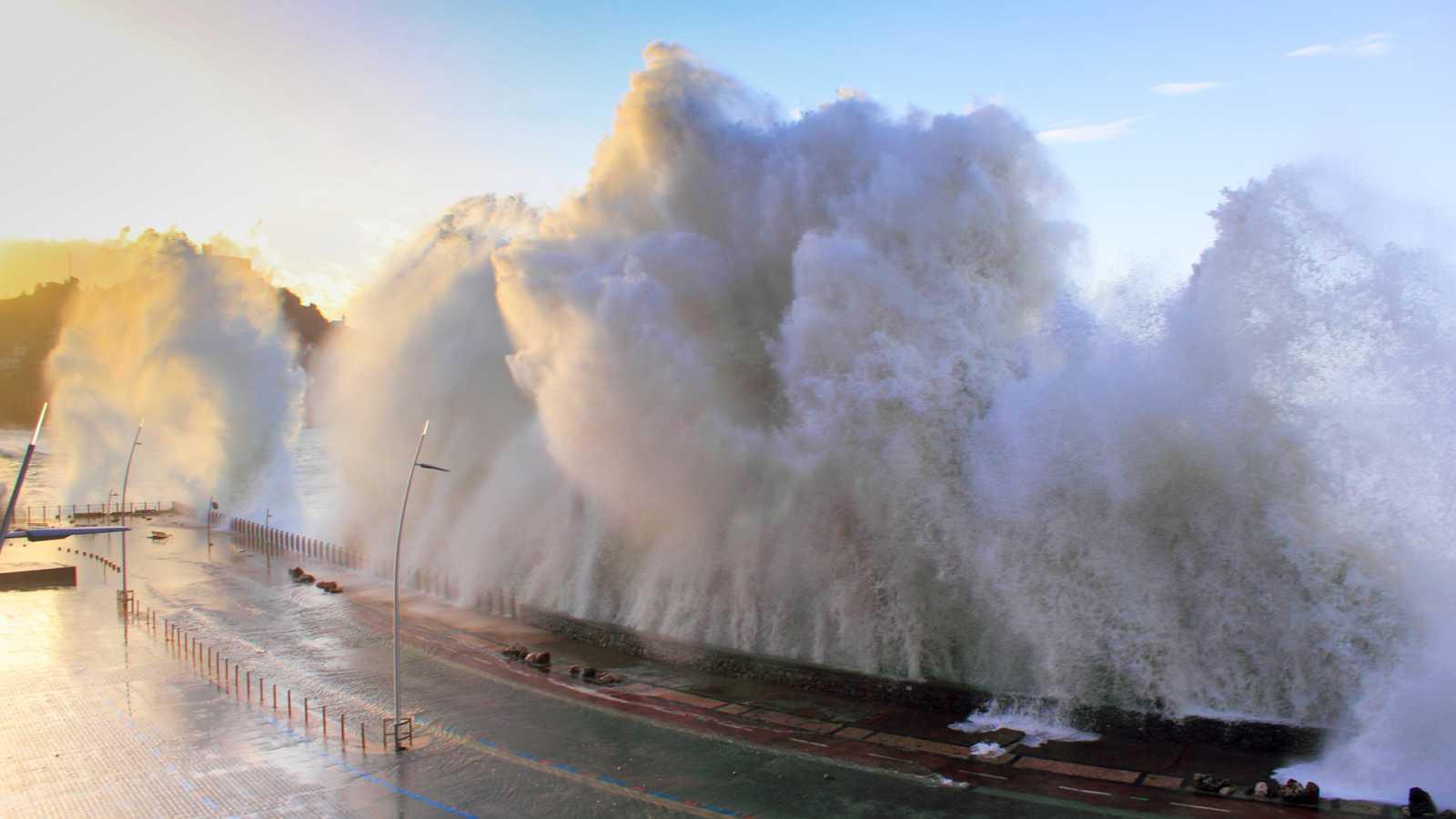 A golpe bit - Los peligros de tsunami en España - 27/04/21 - escuchar ahora