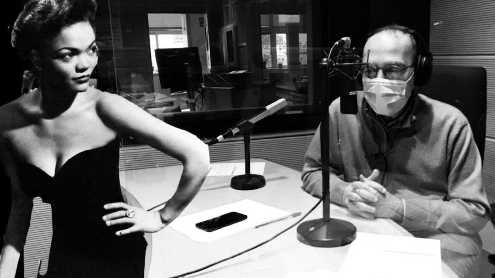 Entre dos luces - Eartha Kitt, Rao Kyao y la Banda de Badajoz - 29/04/21 - escuchar ahora