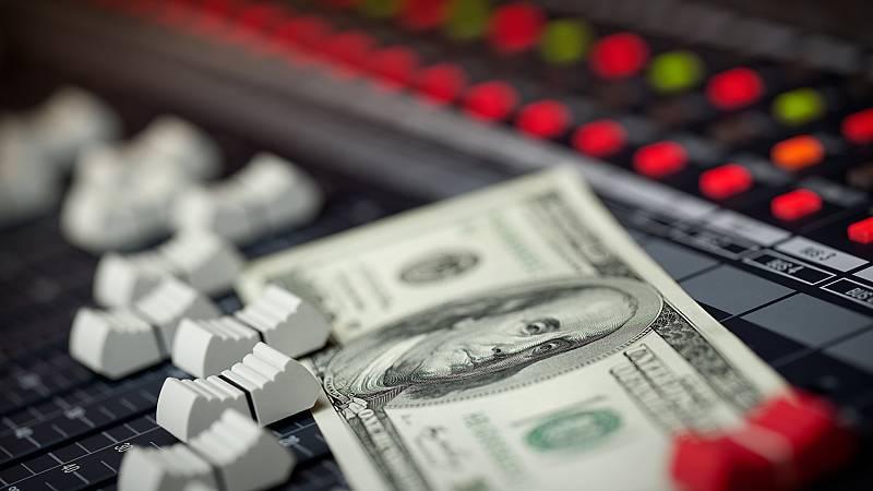 24 horas - ¿Cuánto ganan los artistas por cada reproducción en Spotify? - Escuchar ahora