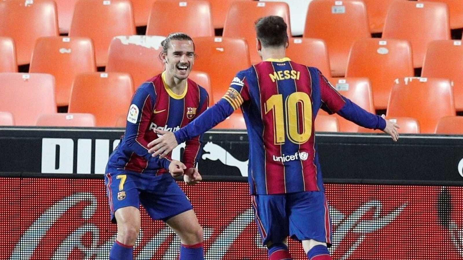 Tablero deportivo - El F.C. Barcelona tampoco se baja de La Liga - Escuchar ahora