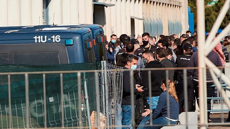 """Las mañanas de RNE con Íñigo Alfonso - Vacunación de Policía y Guardia Civil en Cataluña: """"Nos sentimos señalados y humillados"""" - Escuchar ahora"""