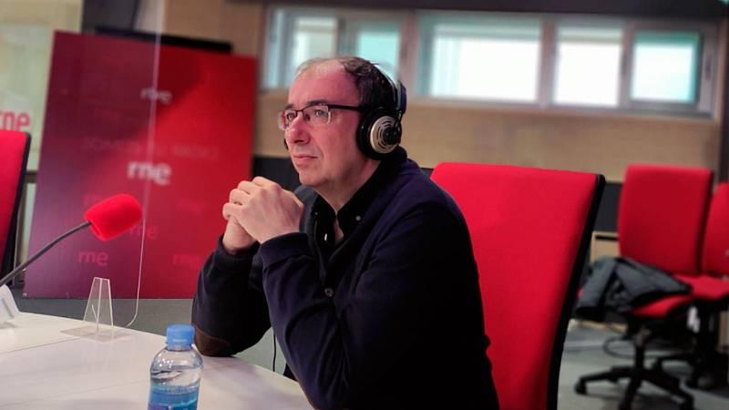 """Las mañanas de RNE con Íñigo Alfonso - Esteban Hernández, autor de 'Así empieza todo': """"La UE está obligada a transformarse"""" - Escuchar ahora"""