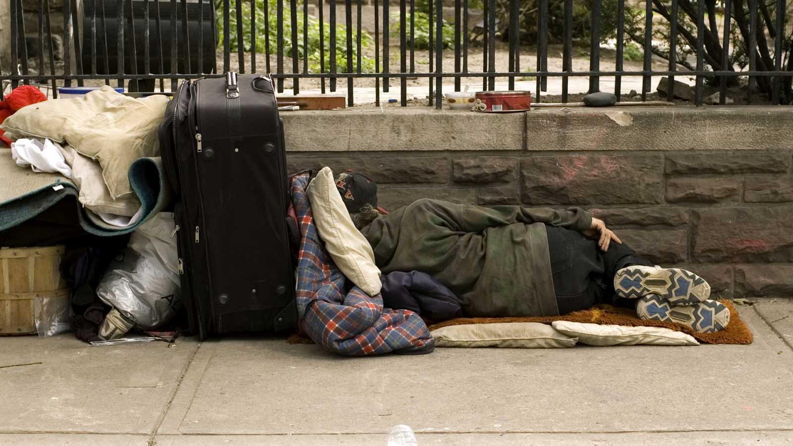 Punto de enlace - Hogar Si reclama vacunación prioritaria al colectivo de personas sin hogar - 03/05/21 - escuchar ahora