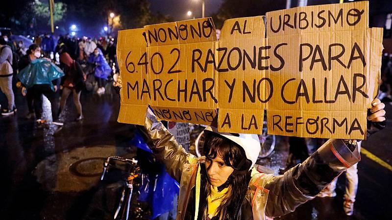 Hora América - Iván Duque retira la polémica reforma tributaria en Colombia tras las protestas en las calles - 03/05/21 - escuchar ahora