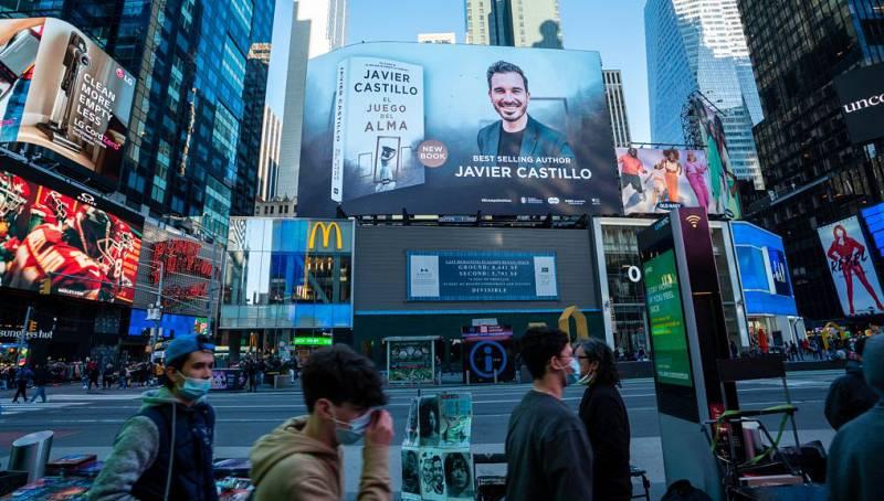 Punto de enlace - Javier Castillo, el primer escritor español que conquista Times Square - escuchar ahora