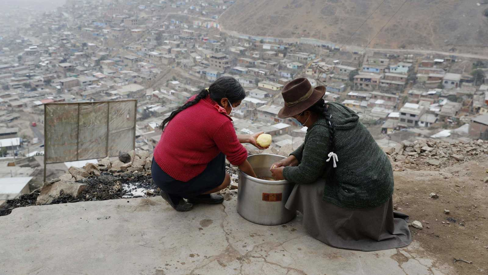 Reportajes 5 Continentes - Las ollas comunes contra el hambre en Perú - Escuchar ahora