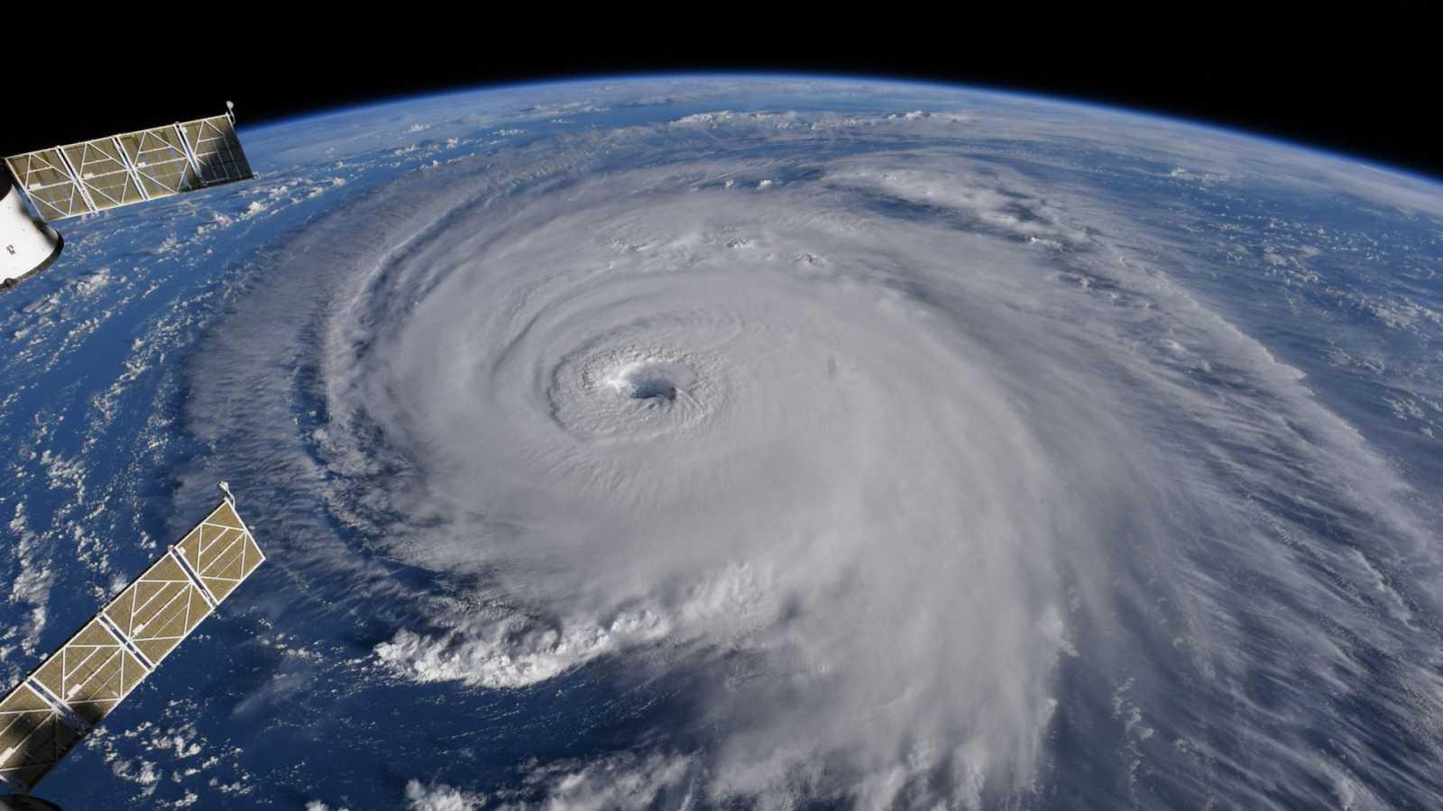 El gallo que no cesa - El rincón del caos: ¿Por qué son importantes los huracanes? - Escuchar ahora