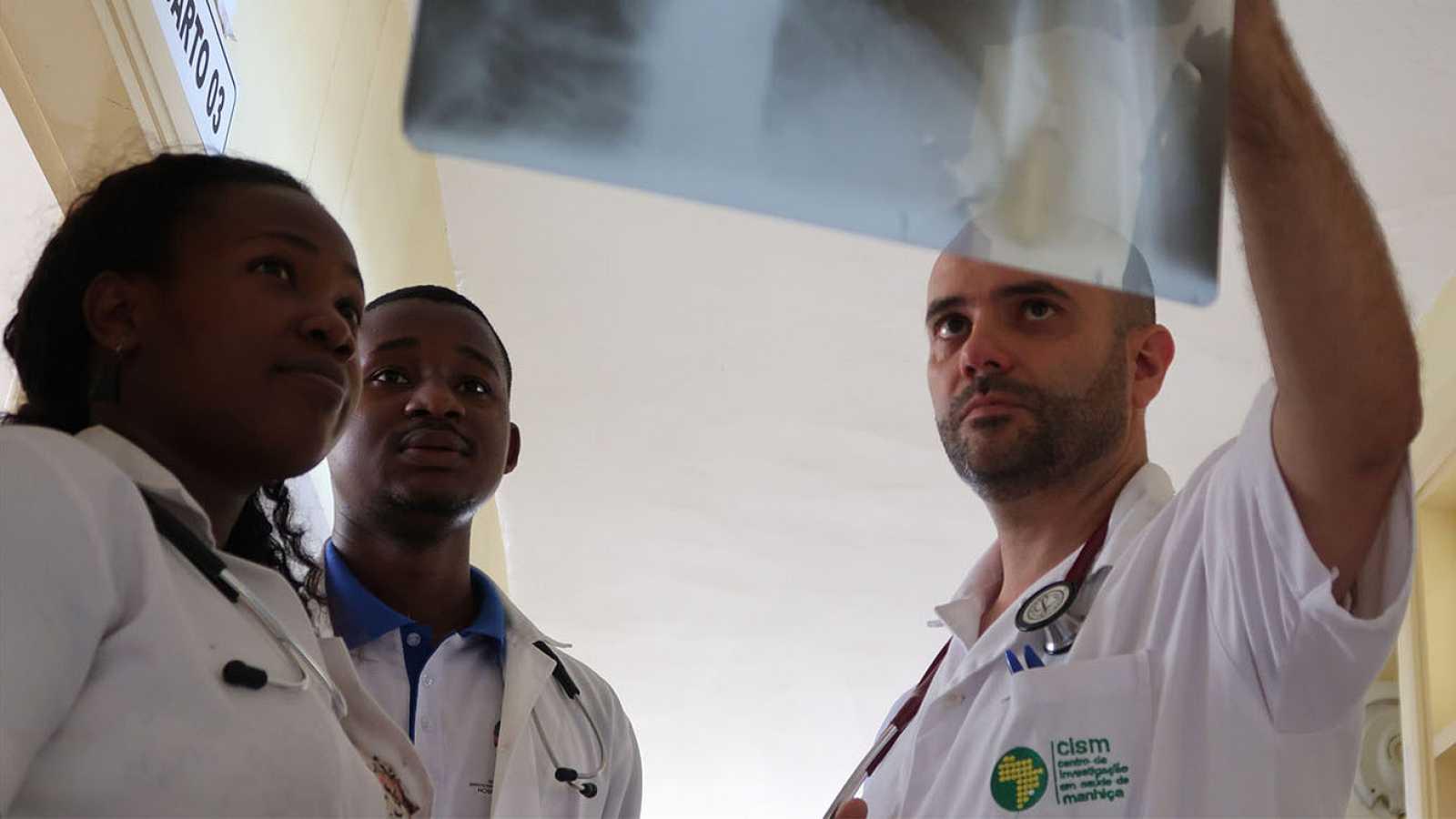 África hoy - Importante avance en el diagnóstico de la tuberculosis en Mozambique - 06/05/21 - escuchar ahora