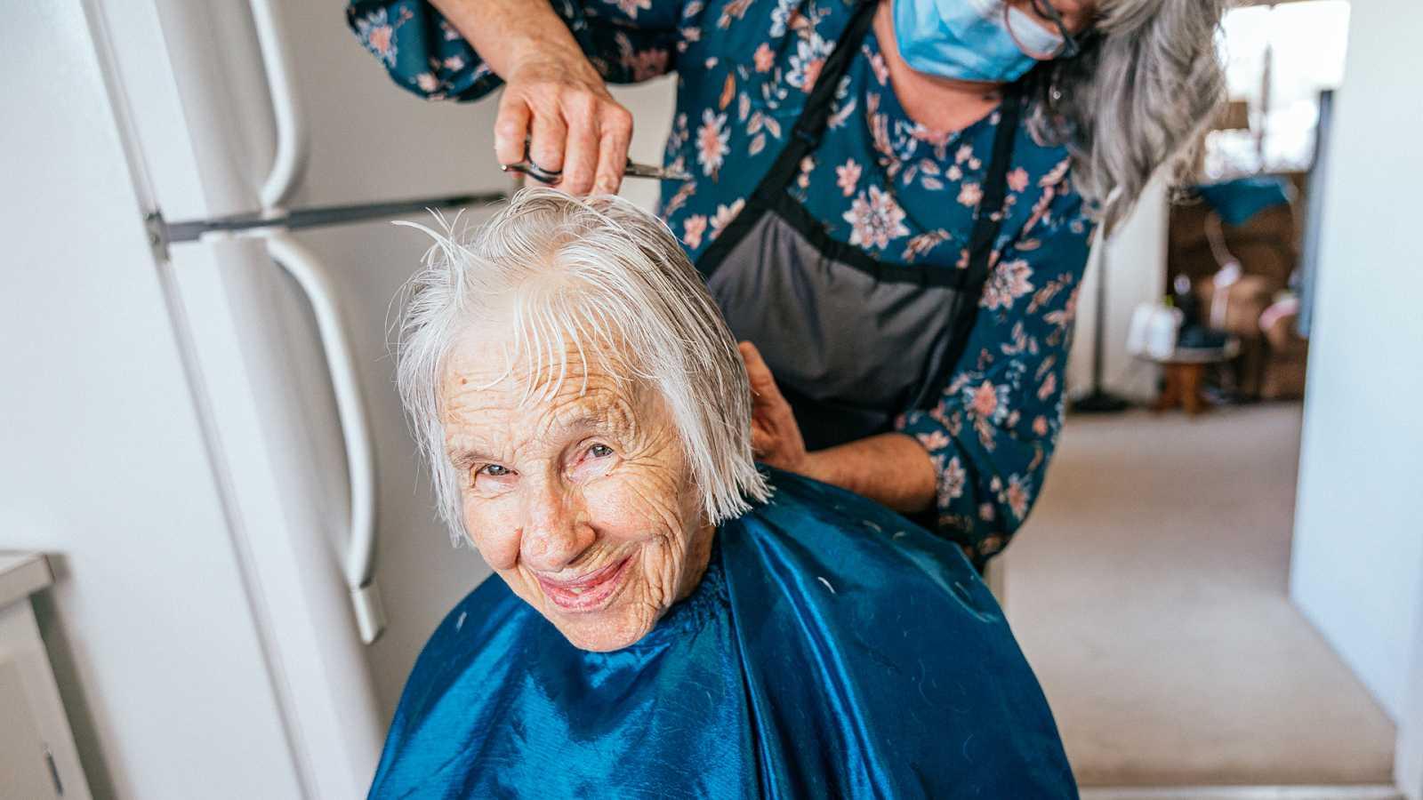 Por tres razones - La peluquería llega en caravana a los pueblos de Aragón - 07/05/21 - escuchar ahora