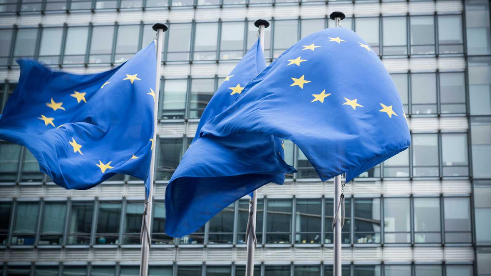 """España a las 8 Fin de Semana - Día de Europa: """"Si esto tuviera que repetirse, la UE tiene que tener una verdadera política europea de Sanidad"""" - Escuchar ahora"""