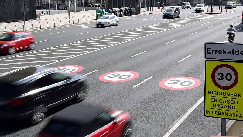 14 horas - Bilbao, el exitoso ejemplo de la circulación a 30km/h - Escuchar ahora