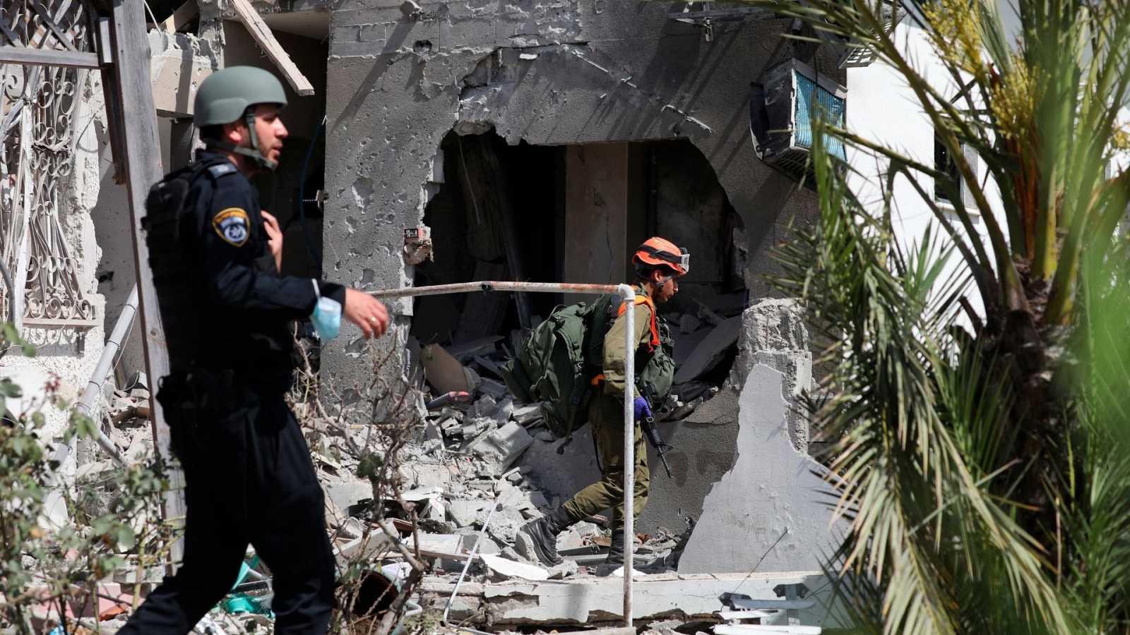 14 horas - Mueren dos israelíes por lanzamiento de cohetes palestinos - Escuchar ahora