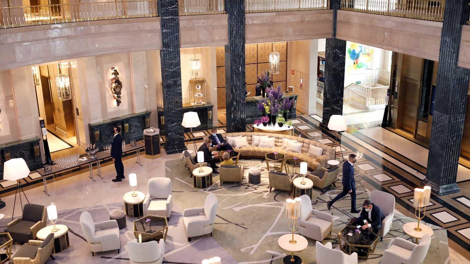 Las mañanas de RNE con Íñigo Alfonso - España busca espacio entre el turismo de lujo - Escuchar ahora
