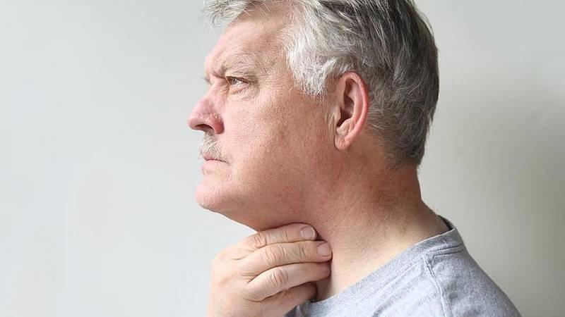 El gallo que no cesa - Médico de guardia: La disfagia en las personas mayores (II) - Escuchar ahora