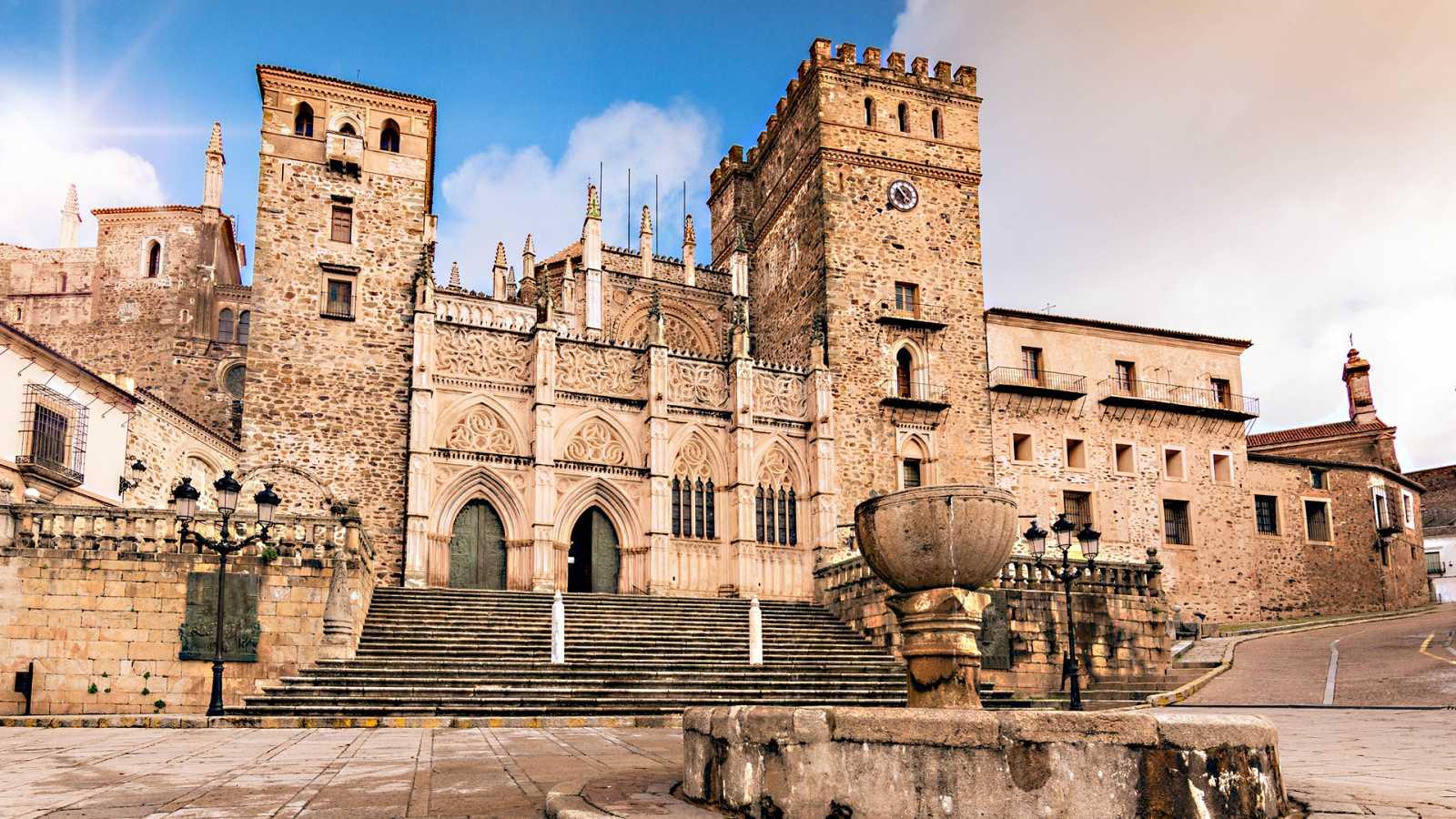 En clave Turismo - Rutas de interior, de Cáceres a Pamplona - 13/05/21 - escuchar ahora