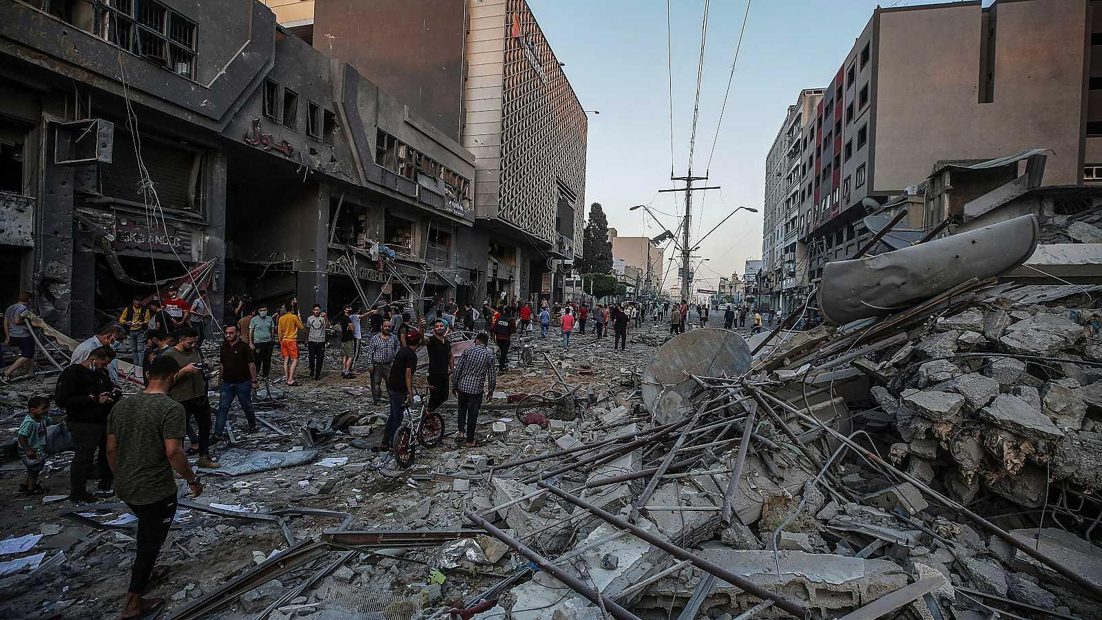 """Las mañanas de RNE con Íñigo Alfonso - Israel y Hamás intensifican sus ataques: """"Quien paga la violencia es la población civil"""" - Escuchar ahora"""