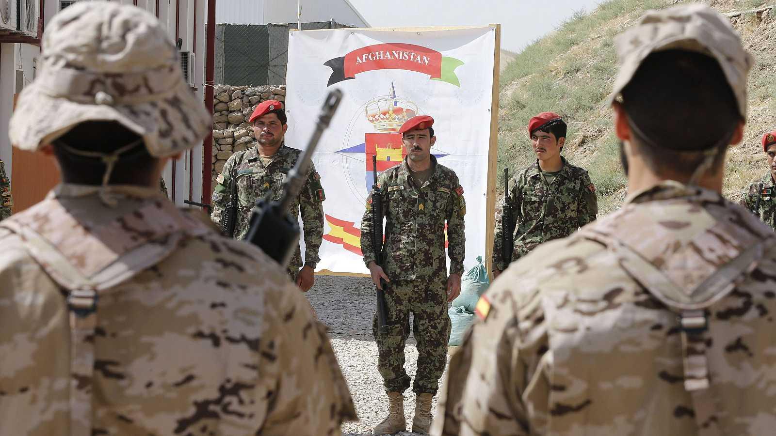 """Las mañanas de RNE con Íñigo Alfonso - Teniente Coronel Joaquín Aguirre: """"Afganistán supuso un cambio de mentalidad: fuimos a una guerra, antes hacíamos misiones más humanitarias"""" - Escuchar ahora"""
