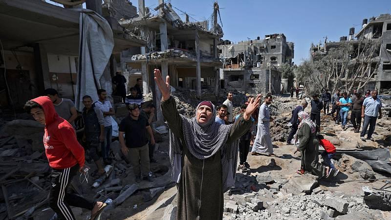 """14 horas - Israel intensifica sus ataques sobre Gaza: """"Estamos a punto de llegar a una situación dramática en los hospitales"""" - Escuchar ahora"""