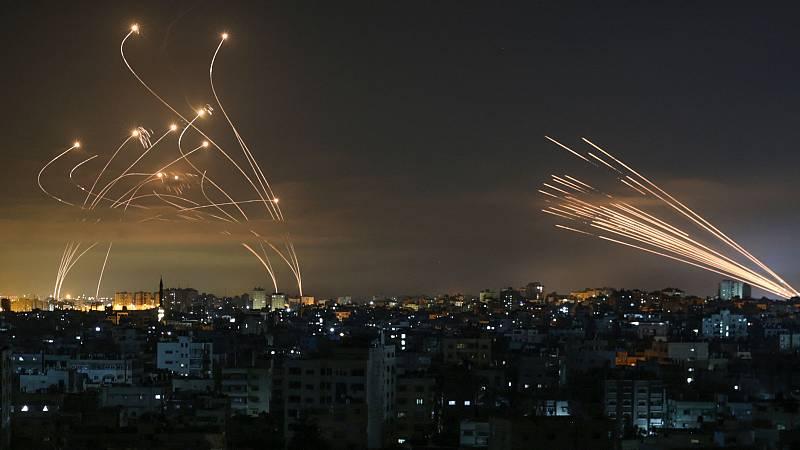 """14 horas - Ignacio Álvarez-Ossorio: """"Netanyahu necesita un éxito y el electorado israelí suele premiar las medidas enérgicas contra los palestinos"""" - Escuchar ahora"""