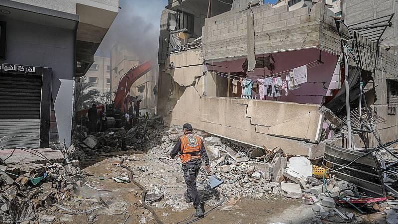 14 horas Fin de Semana - Se intensifica la violencia en Gaza tras siete días de enfrentamientos: los muertos se acercan a los 190 - Escuchar ahora