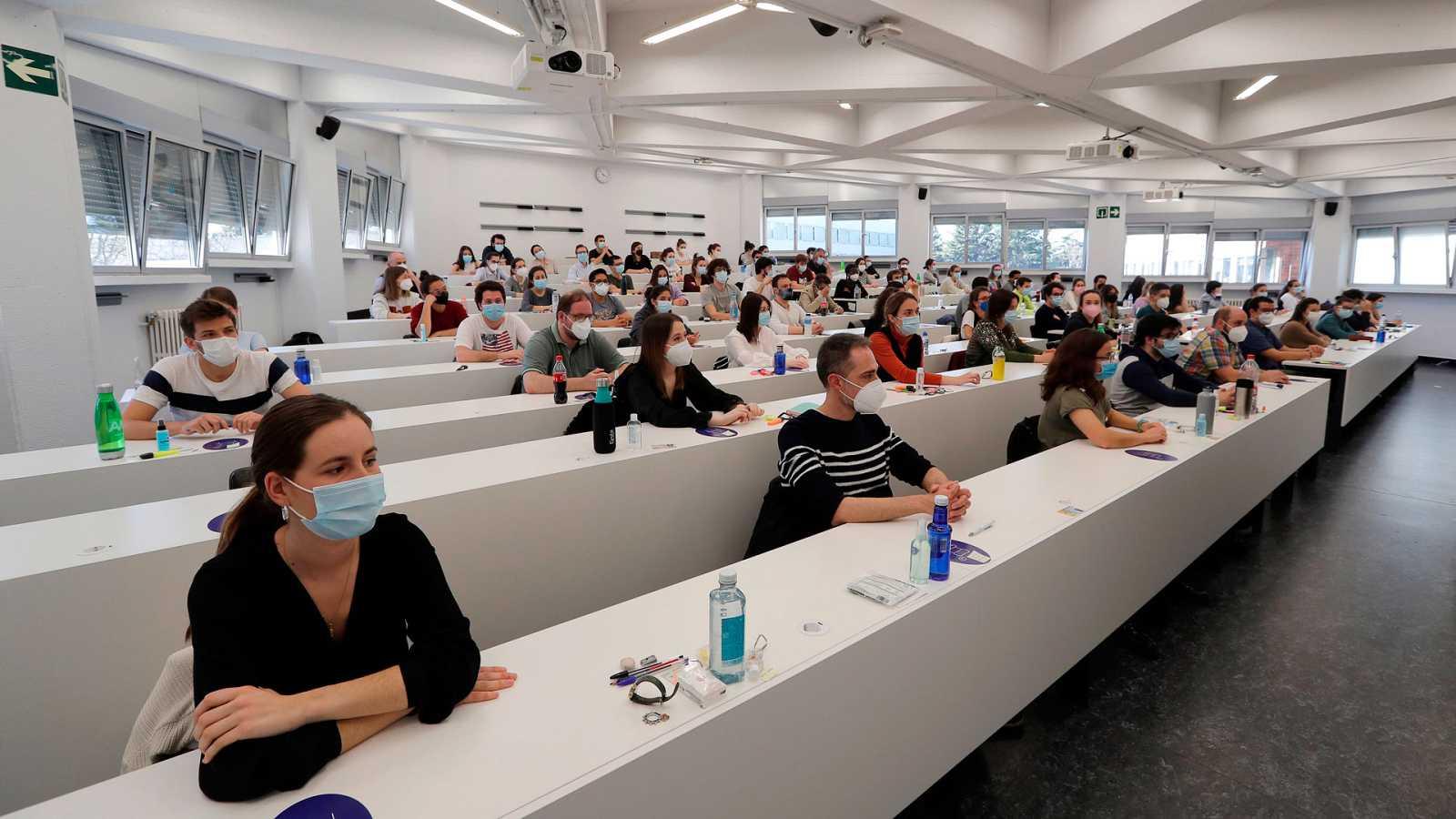Las mañanas de RNE con Íñigo Alfonso - Los sindicatos médicos se movilizan contra el sistema telemático de adjudicación de las plazas MIR - Escuchar ahora