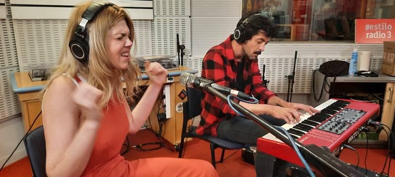 Como lo oyes - Eva Ryjlen - Susan Santos y Dylan y el Círculo - 18/05/21 - escuchar ahora