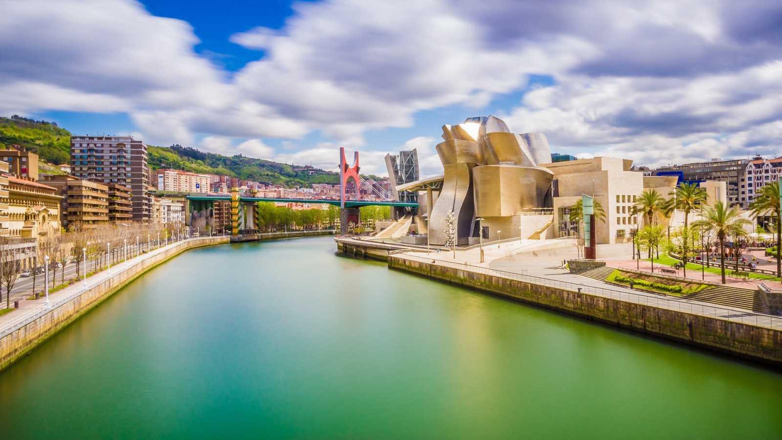 10.000 lugares para viajar con Ángela Gonzalo - Arquitectura, la apuesta ganadora de Bilbao - 29/05/21 - Escuchar ahora