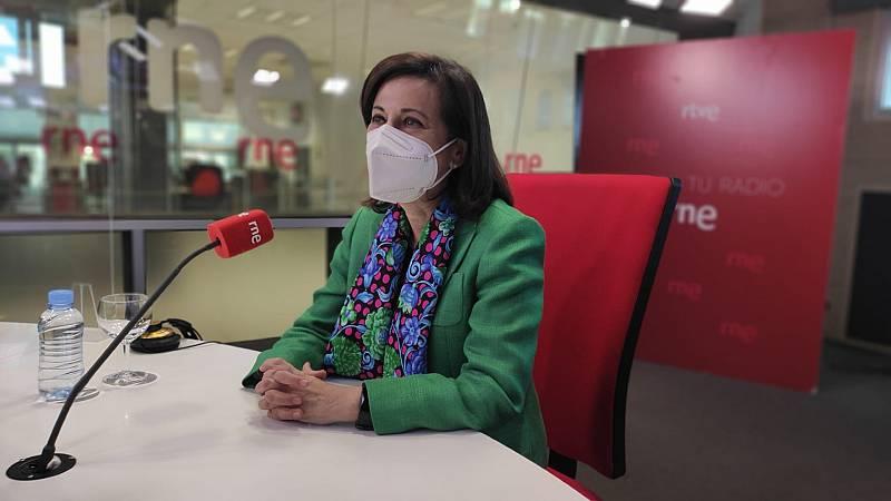 """Las mañanas de RNE con Íñigo Alfonso - Margarita Robles, ministra de Defensa: """"Con España no se juega. Marruecos tendrá que reconsiderar lo que ha hecho poniendo en riesgo la vida de menores"""" - Escuchar ahora"""