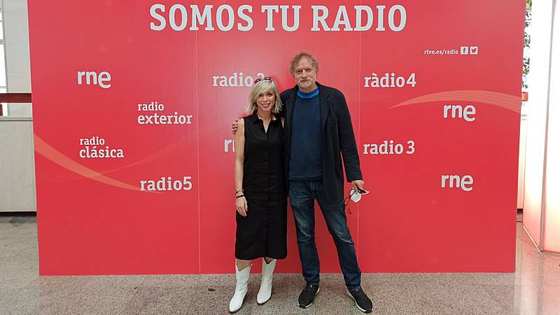 De vuelta en Radio 5 - Nancho Novo y Eva Isanta representan 'Trigo Sucio' en el Teatro Victoria de Madrid - Escuchar ahora