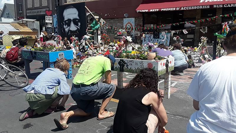 24 horas - Mesa del mundo: Minneapolis recuerda a Floyd y extiende la lucha contra la violencia policial - Escuchar ahora