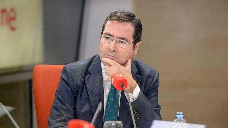 """Las mañanas de RNE con Íñigo Alfonso - Garamendi culpa a Escrivá del desacuerdo sobre los ERTE: """"Está empeñado en dar más dinero a los que vuelven a trabajar que a los que siguen cerrados"""" - Escuchar ahora"""
