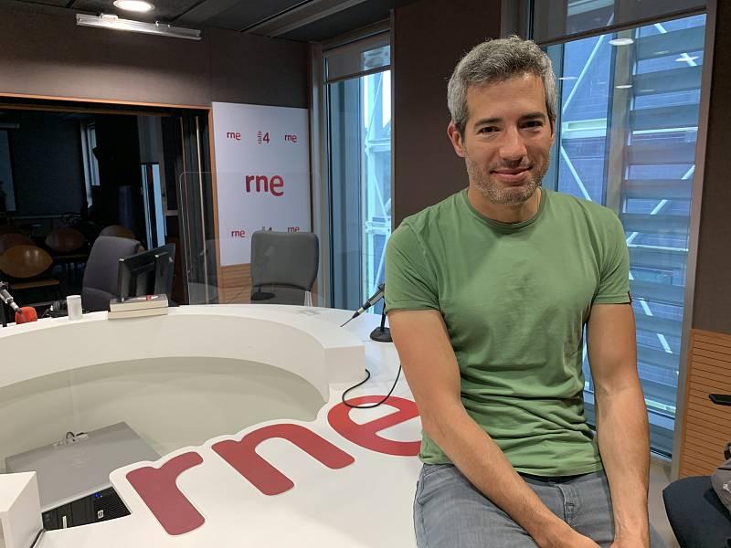 """Oriol Nolis: """"És bàsic que els famosos LGTBI expressin la seva orientació per convertir-se en referents"""" - Escoltar ara"""