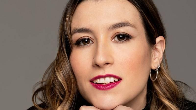 20 entrevistas de humor y una más, desesperada - Eva Soriano - Escuchar ahora
