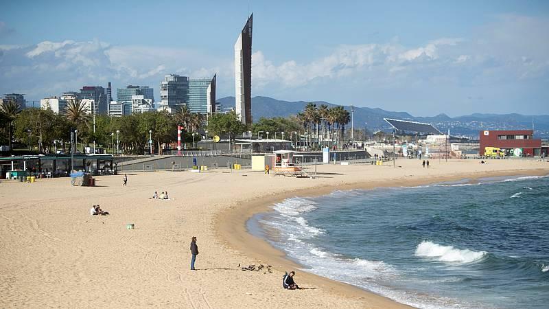 14 horas Fin de Semana - Barcelona prohibe fumar en cuatro de sus playas para evitar humos y residuos - Escuchar ahora