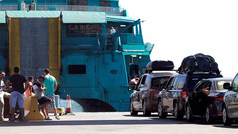 14 horas - Los marroquíes residentes en España se plantean no viajar a su país tras la exclusión de los puertos españoles de la 'operación Paso del Estrecho' - Escuchar ahora