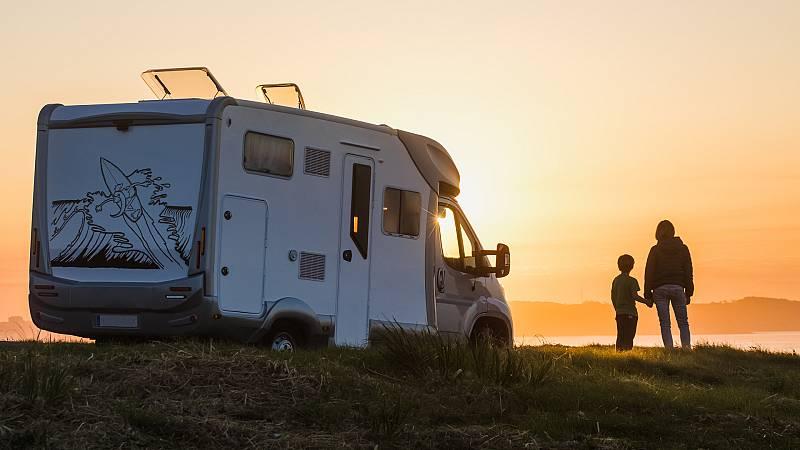 Por tres razones - La vuelta al mundo en caravana en tiempos de Covid - 07/06/21 - escuchar ahora
