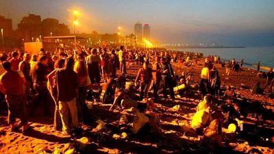 La revetlla de Sant Joan es podrà celebrar a les platges de Barcelona