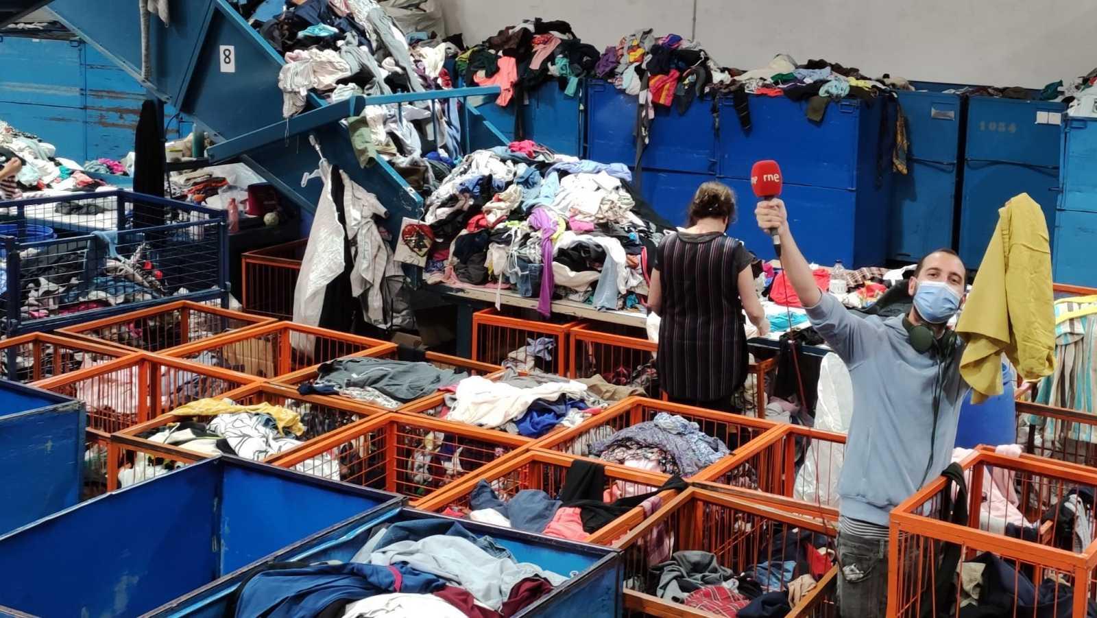 Recursos homínids - Reciclar la roba per lluitar contra el consumisme